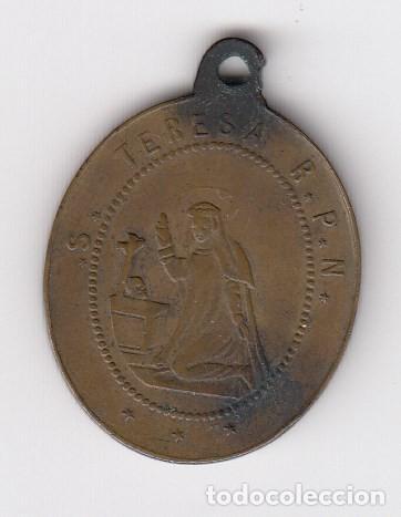 Antigüedades: antigua medalla (en cobre) santa teresa r.p.n. (reverso-corazones de jesús y de maria) roma - Foto 2 - 205187216