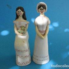 Antigüedades: 2 FIGURAS DE CERÁMICA ROMANTICAS VINTAGE PINTADAS A MANO ESTILO SHABBY CHIC. Lote 205202287