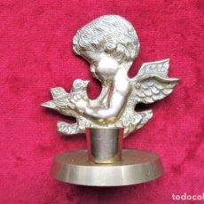 Antigüedades: PORTAVELAS, ANGELOTE, QUERUBÍN DE BRONCE PESA 240 GRS. MIDE 12 CMS. ALTURA. PERFECTO. Lote 205268917