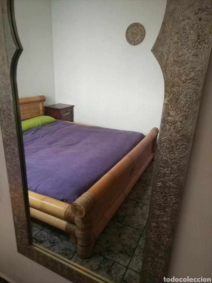 Antigüedades: Espectacular espejo de pared de cuerpo entero repujado artesanal traído de la India - Foto 38 - 205290160