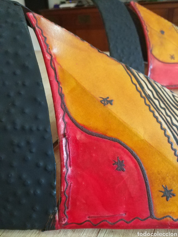 Antigüedades: Pareja de apliques, lámparas de pared artesanales de forja y piel - Foto 4 - 205316711