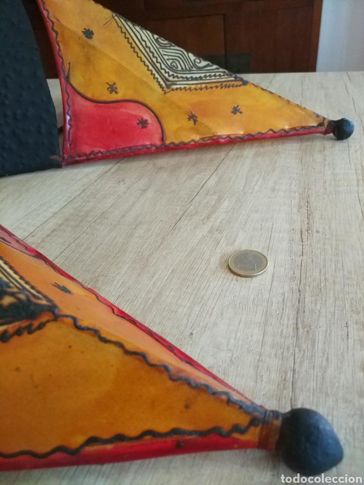 Antigüedades: Pareja de apliques, lámparas de pared artesanales de forja y piel - Foto 8 - 205316711