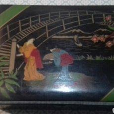 Antiquités: IMPRESIONANTE CAJA JOYERO ANTIGUA DE MADERA CON ESPEJO Y PINTADA A MANO. Lote 205328227