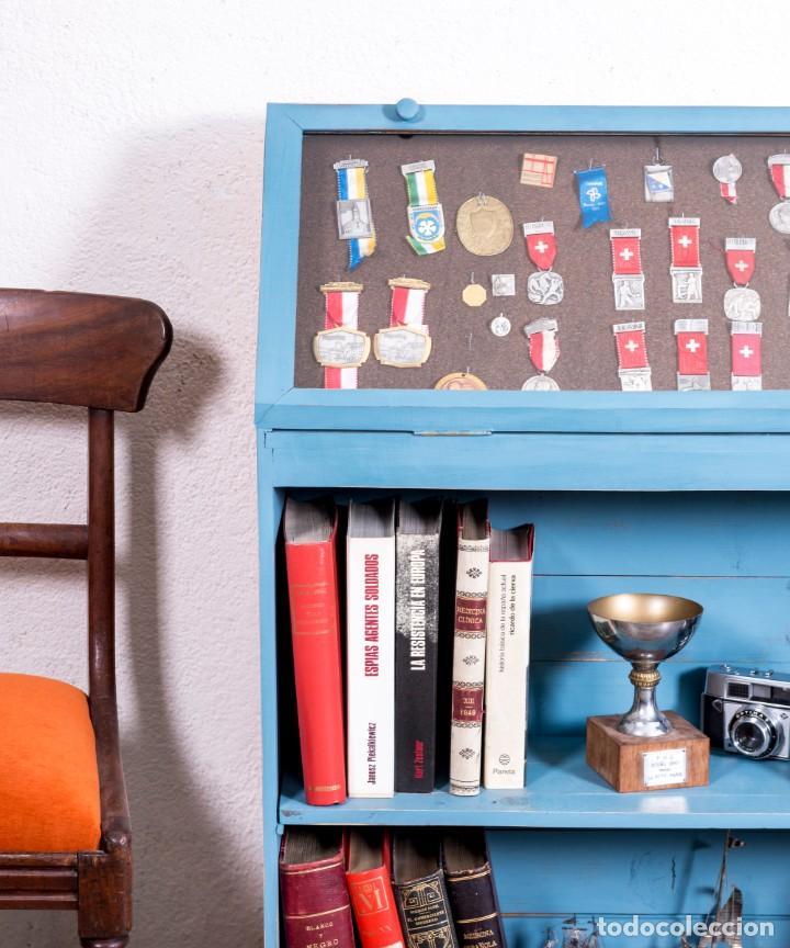 Antigüedades: Mueble Expositor Antiguo Restaurado Toulon - Foto 2 - 205375253