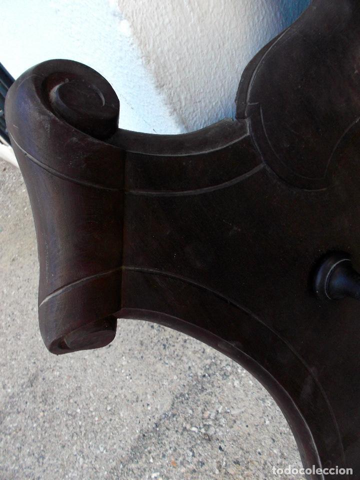 Antigüedades: Panoplia de 125x80 cm. En Caoba Tallada del siglo XIX de 7 soportes - Foto 3 - 205381805