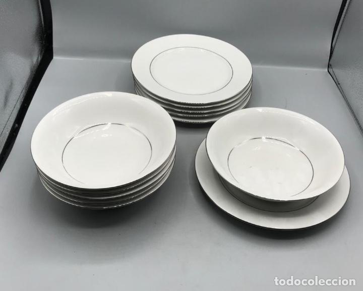 FINA PORCELANA SENATOR JUEGO PARA SEIS COMENSALES ,CON FILOS DE PLATA. (Antigüedades - Porcelanas y Cerámicas - Otras)