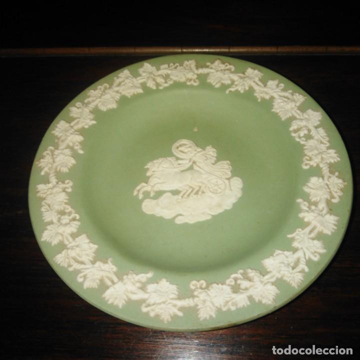 Antigüedades: Antiguos platos de colección de porcelana inglesa de wedgwood - Foto 2 - 205384318