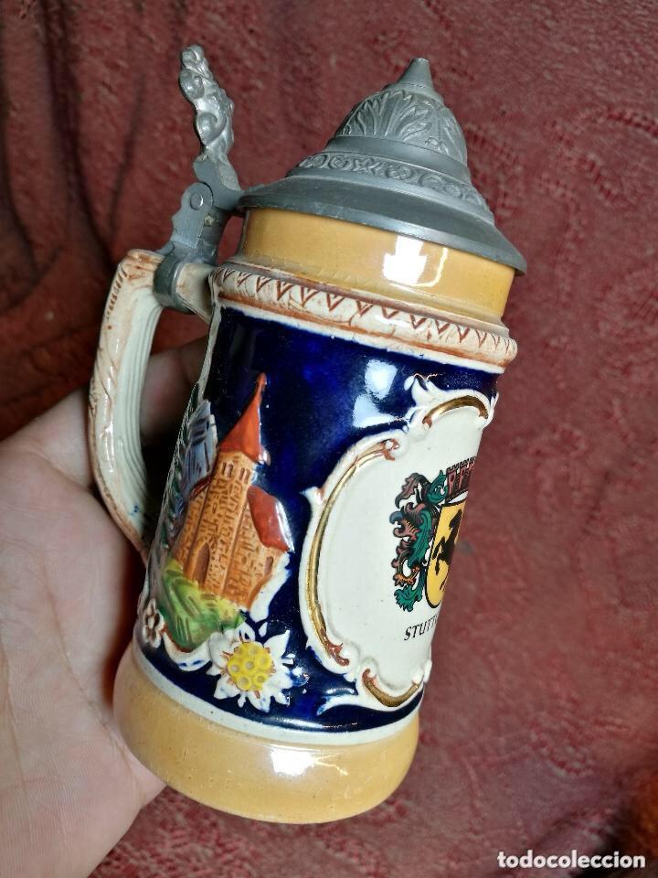 Antigüedades: Tradicional y bellísima jarra de cerveza con tapa de Petrel. - Foto 3 - 205385468