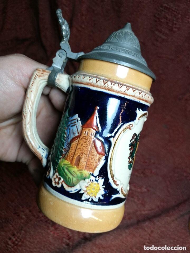 Antigüedades: Tradicional y bellísima jarra de cerveza con tapa de Petrel. - Foto 4 - 205385468