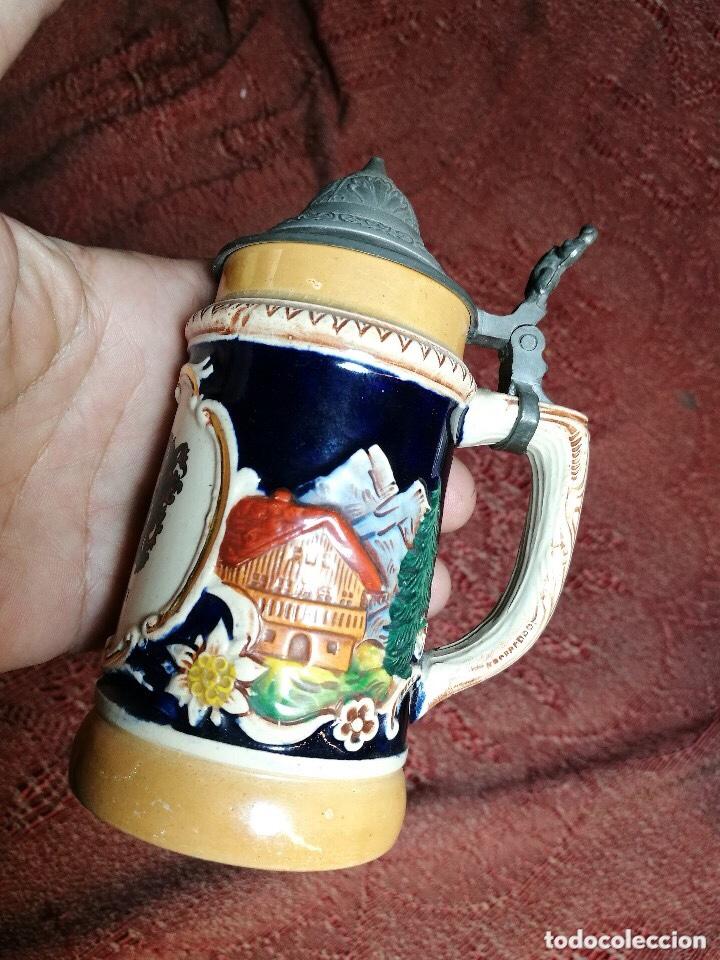 Antigüedades: Tradicional y bellísima jarra de cerveza con tapa de Petrel. - Foto 6 - 205385468