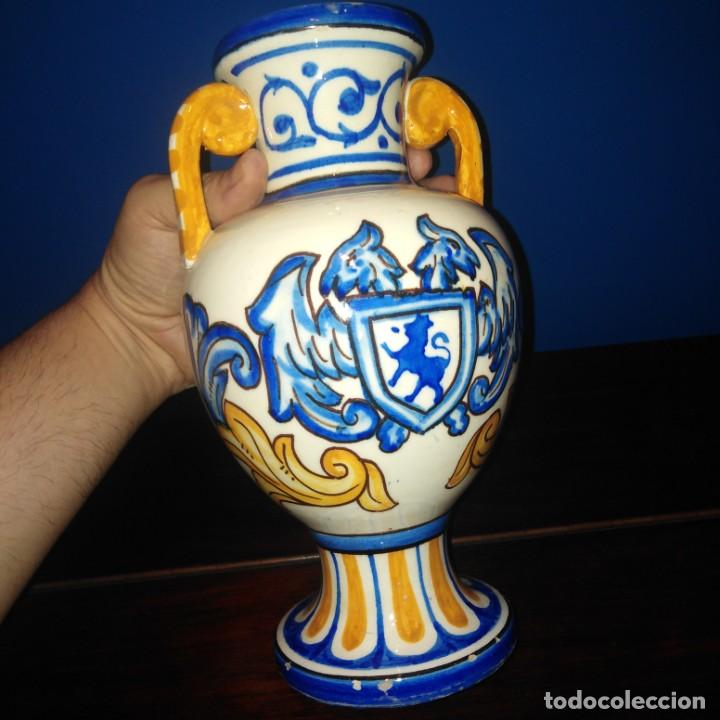 Antigüedades: Antiguo jarron de porcelana de Manises. - Foto 2 - 205386111