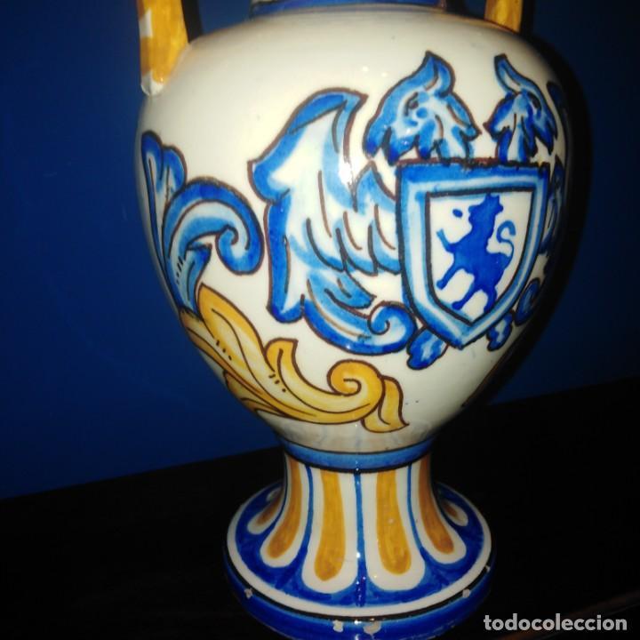 Antigüedades: Antiguo jarron de porcelana de Manises. - Foto 5 - 205386111
