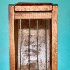 Antigüedades: CURIOSA JAULA PARA GRILLOS ??? CREEMOS QUE DE LOS AÑOS 60'S. Lote 205438446