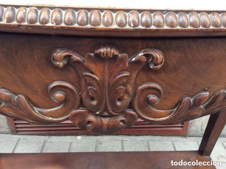 Antigüedades: CONSOLA ANTIGUA DE NOGAL,SIGLO XIX,ENCIMERA DE MARMOL BLANCO - Foto 2 - 205453551