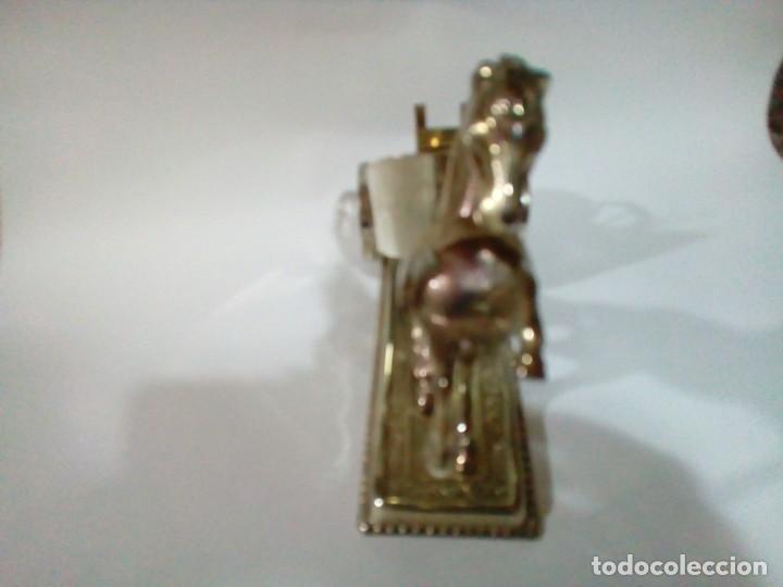 Antigüedades: bonita figura de metal portavelas - Foto 4 - 205454997
