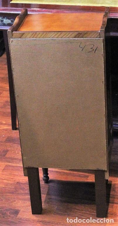 Antigüedades: Mueble auxiliar, 85 cm de altura, madera barnizada - Foto 4 - 205463896
