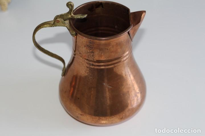 ANTIGUA BONITA JARRA DE COBRE. 17 CM. (Antigüedades - Técnicas - Rústicas - Utensilios del Hogar)
