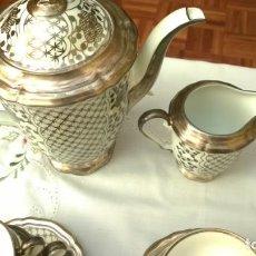 Antigüedades: JUEGO ANTIGUO DE CAFÉ DE PORCELANA Y PLATA BAVARIA. Lote 205575028