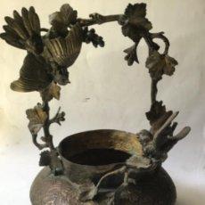 Antigüedades: ANTIGUO E IMPRESIONANTE MACETERO - CENTRO MESA ISABELINO ,EN BRONCE Y COBRE ,SIGLO 19 ORIGINAL. Lote 205589335