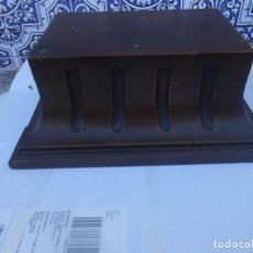 Antigüedades: PEANA ANTIGUA DE MADERA PARA IMAGEN RELIGIOSA. Lote 205591121