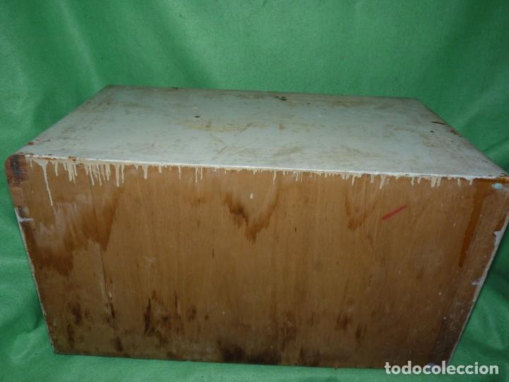 Antigüedades: Antigua cajonera mueble publicidad C. A. Hilaturas de Fabra y Coats Mercería pintado para restaurar - Foto 5 - 205596612