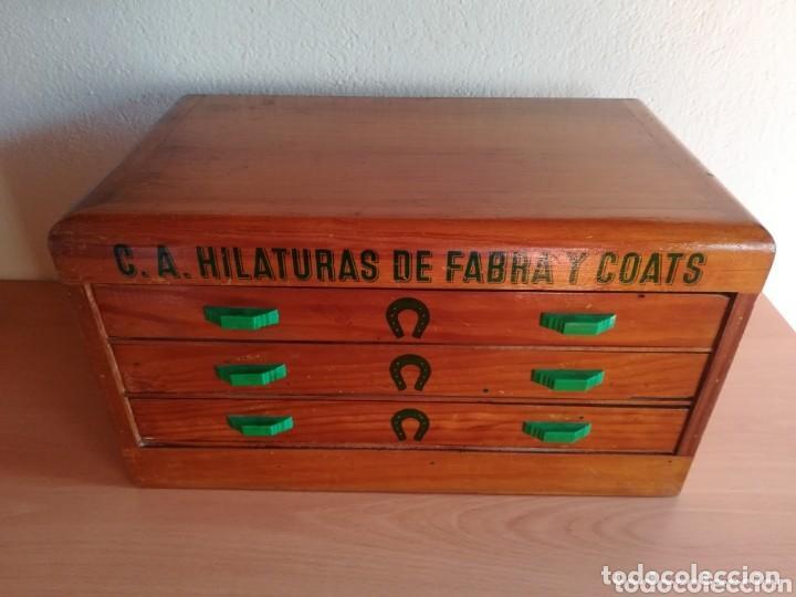 Antigüedades: Antigua cajonera mueble publicidad C. A. Hilaturas de Fabra y Coats Mercería pintado para restaurar - Foto 11 - 205596612