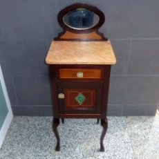 Antigüedades: MESITAS DE NOCHE DE MADERA CON MARQUETERIA - ESPEJO Y MARMOL.. Lote 205603458