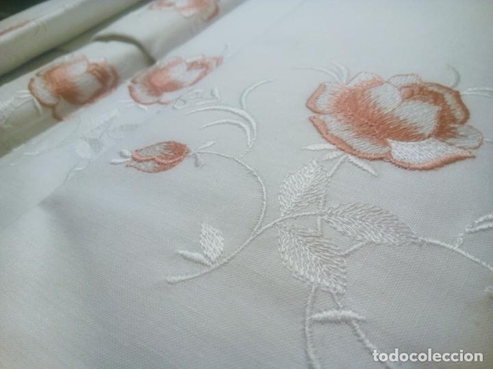Antigüedades: Juego cama sábana y funda viuda tolrra bordado con puntilla sin estrenar. - Foto 7 - 205606225