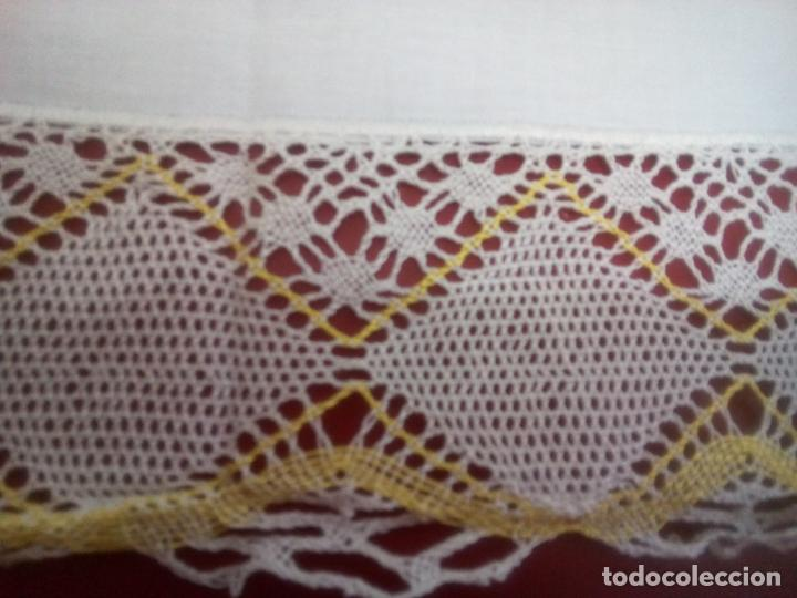 Antigüedades: Juego cama sábana y funda viuda tolrra bordado con puntilla sin estrenar. - Foto 18 - 205606297
