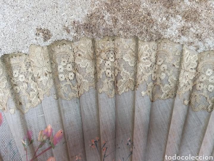 Antigüedades: Abanico de tela antiguo pintado a mano - Foto 18 - 205660377