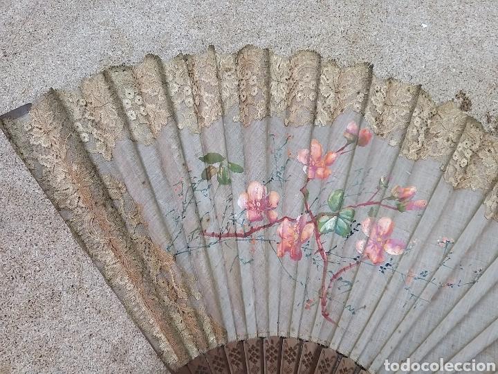 Antigüedades: Abanico de tela antiguo pintado a mano - Foto 23 - 205660377
