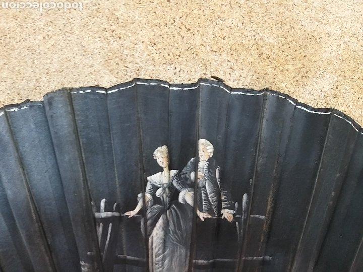 Antigüedades: Abanico antiguo color negro pintado a mano - Foto 17 - 205662953