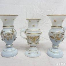 Antigüedades: 3 JARRONCITOS DE OPALINA DE LA GRANJA S.XIX. Lote 205666922