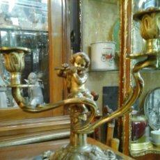 Antigüedades: PAREJA DE CANDELABROS BRONCE. Lote 205669232