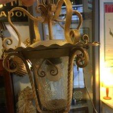 Antigüedades: FAROL PARA JARDÍN TONO OCRE CLARO Y CRISTAL MUY BONITO, ESTA COMO ESCARCHADO. MIDE 35 X 24. FOTOS. Lote 205729707