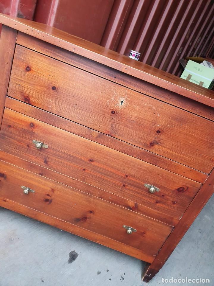 Antigüedades: Comoda con secreter interior y cajones de madera maciza inglesa años 60 - Foto 7 - 205743495