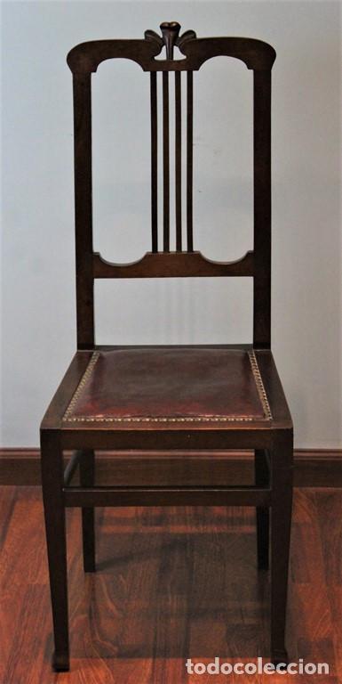 Antigüedades: Ocho sillas inglesas, años 20 , caoba y cuero, 40 x 40 x 100 cm, precisan tapizado. - Foto 2 - 205752763
