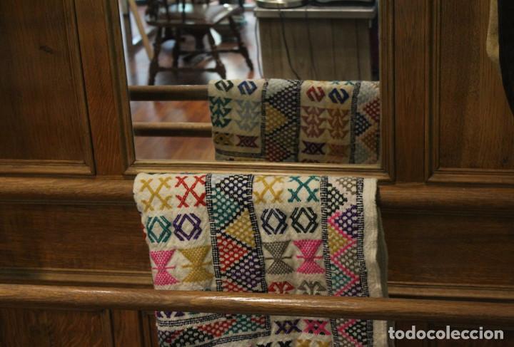 Antigüedades: Mueble de recibidor de madera: duramen de castaño 188 x 127 x 40 cm - Foto 4 - 205753011
