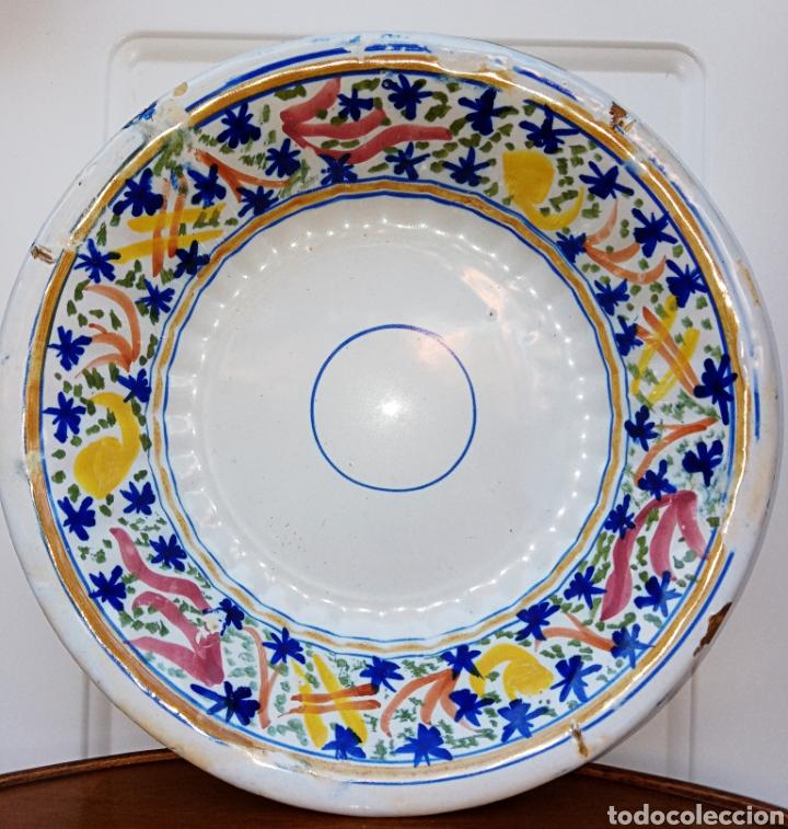 PLATO DE ALCORA O RIBESALBES - MEDIADOS DEL SIGLO XIX - CERAMICA PINTADA A MANO (Antigüedades - Porcelanas y Cerámicas - Alcora)