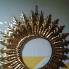 Antigüedades: MARCO DE METAL EN FORMA DE SOL PARA ESPEJO. Lote 205758070