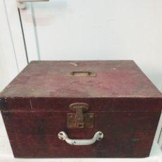Antigüedades: CAJA DE HERRAMIENTAS DE MADERA. Lote 205764528
