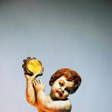 Antigüedades: BONITA FIGURA DE QUERUBÍN TOCANDO LA PANDERETA. CERÁMICA ESMALTADA. 29 CM. DE ALTO. 11 CM. DIÁMETRO.. Lote 205765036