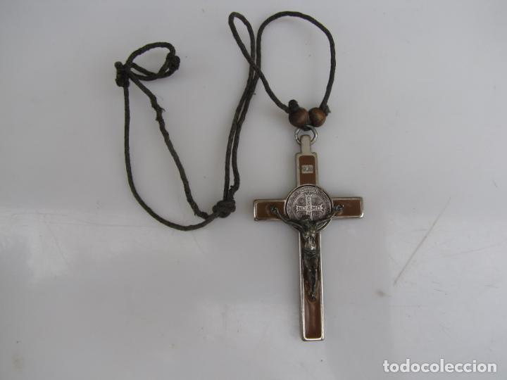 Antigüedades: 3- Cruz de exorcismo. San Benedicto. ;Bronce plateado y esmalte - Foto 2 - 205772542