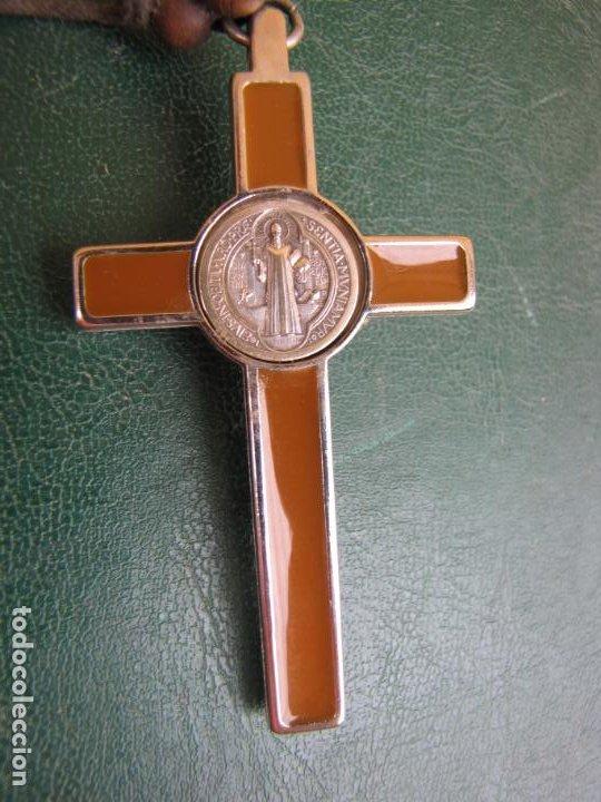 Antigüedades: 3- Cruz de exorcismo. San Benedicto. ;Bronce plateado y esmalte - Foto 4 - 205772542