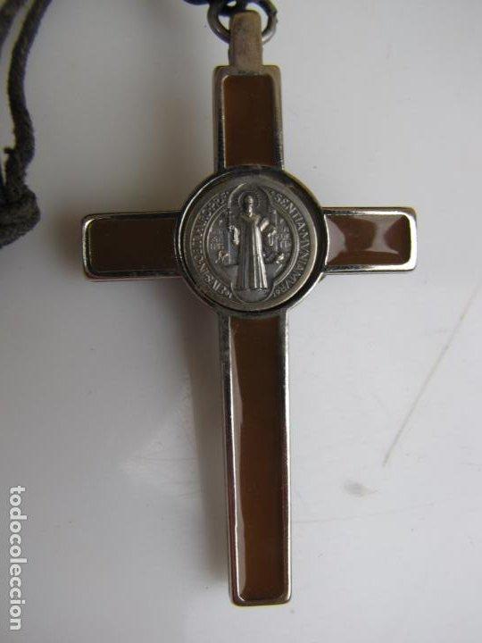 Antigüedades: 3- Cruz de exorcismo. San Benedicto. ;Bronce plateado y esmalte - Foto 10 - 205772542