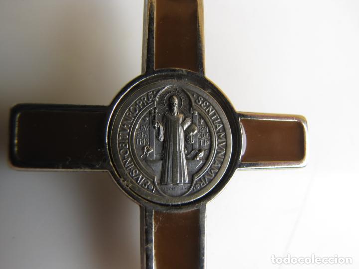 Antigüedades: 3- Cruz de exorcismo. San Benedicto. ;Bronce plateado y esmalte - Foto 11 - 205772542