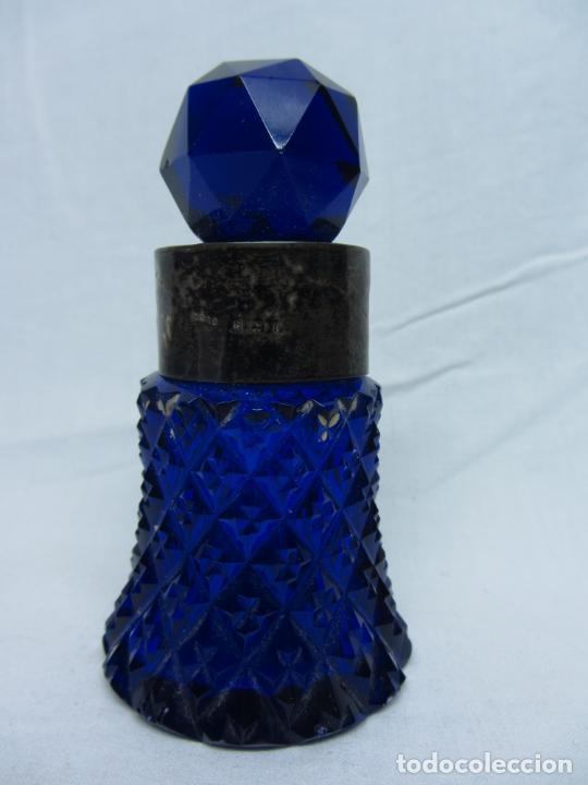 Antigüedades: Perfumero en cristal tallado de san Luis con cuello en plata punzonada principios s.XX - Foto 3 - 205776838