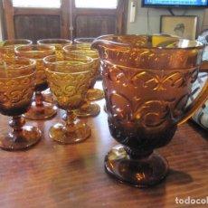 Antigüedades: JUEGO DE JARRA Y COPAS EN CRISTAL MARRON VINTAGE FABRICA SANTA LUCIA CARTAGENA (JARRA Y 10 COPAS). Lote 205783997