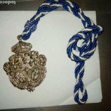 Antigüedades: MEDALLA CON SU CORDON ORIGINAL. LA CUAL DESCONOZCO ?. Lote 205800847
