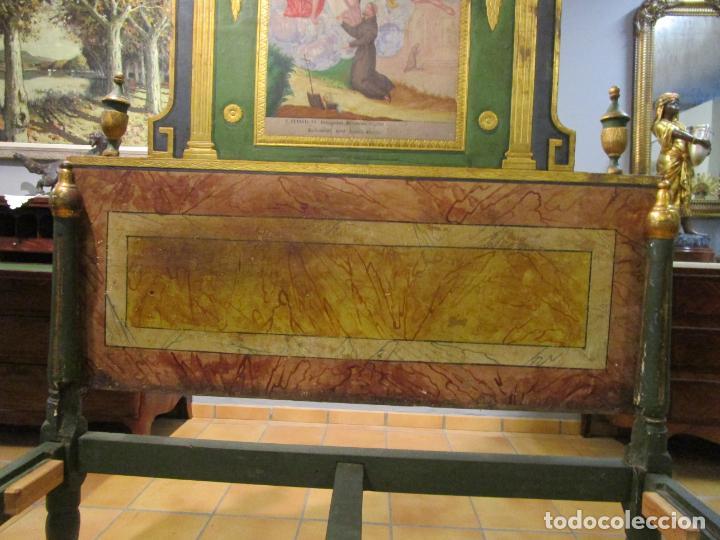 Antigüedades: Antigua Cama de Olot - Estilo Neoclásico -Escena de San Francisco, con Inscripción -Finales S. XVIII - Foto 26 - 205806638